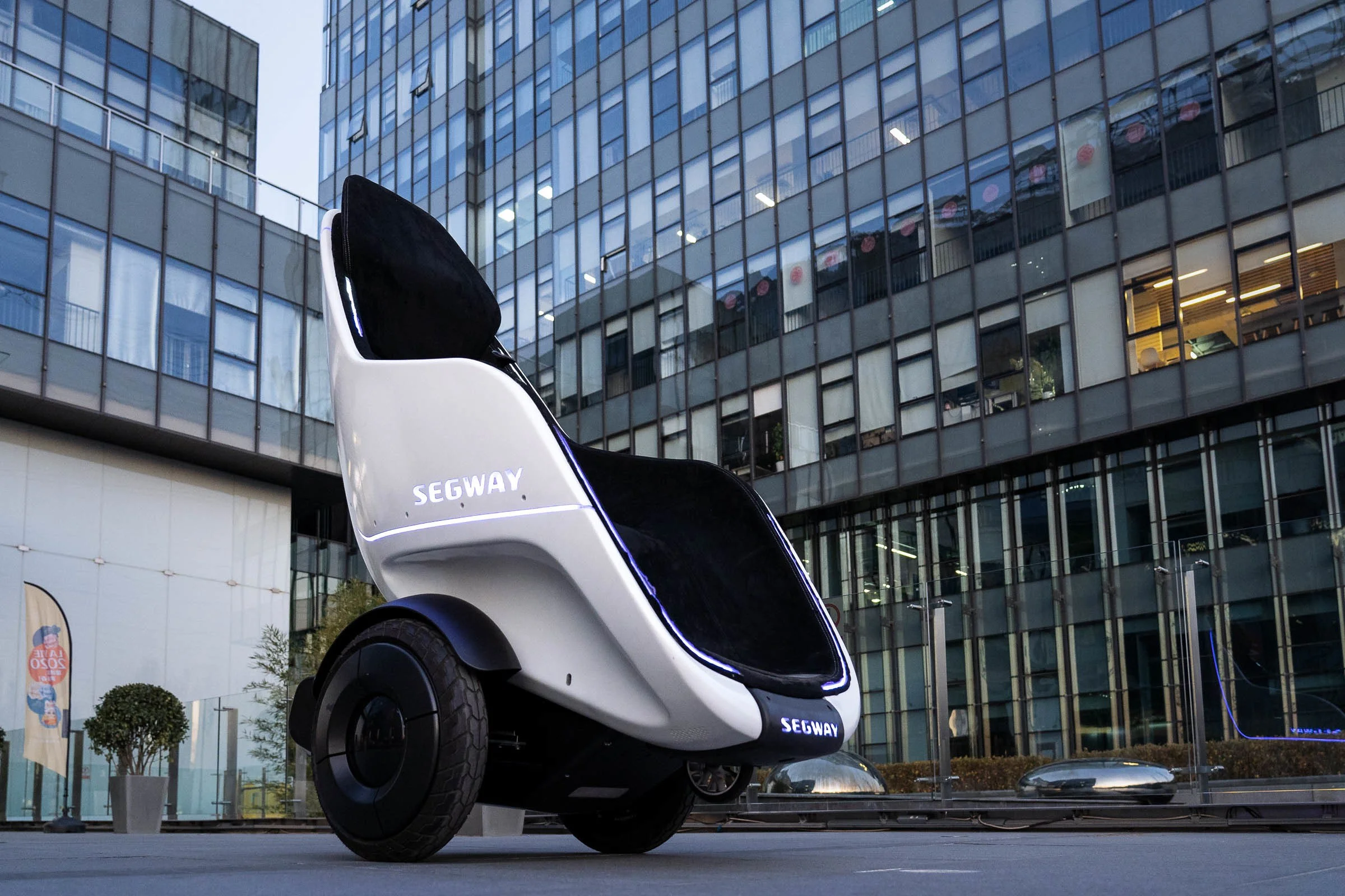 Shock coming! Segway-Ninebot introduces electric scooters and self-balancing wheelchairs with cruise control